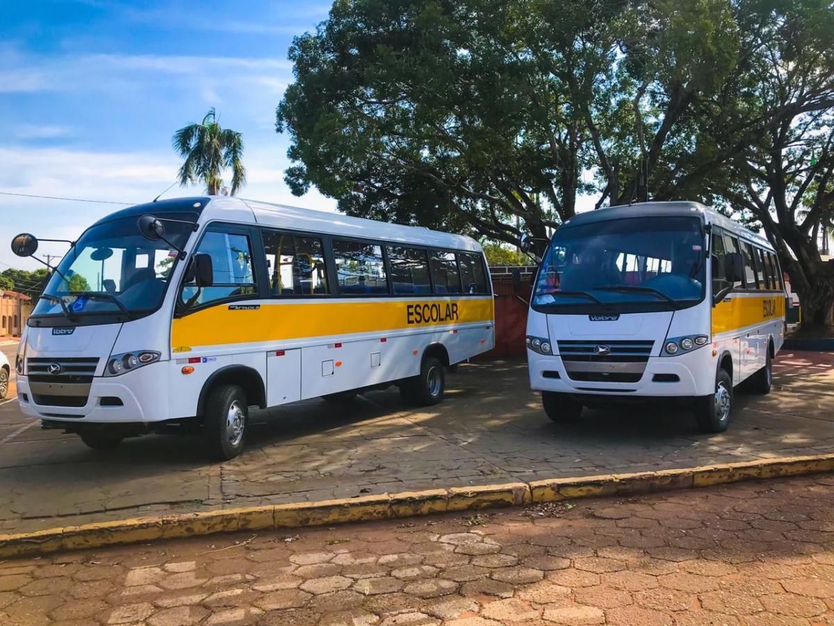 Imagem 1432 - Nioaque recebe dois micro-ônibus 0 km para atender a educação